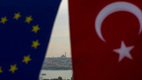 ترکیه اوراق قرضه مبتنی بر یورو را جایگزین دلار می نماید