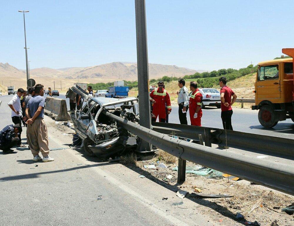 برخورد پراید با گاردریل در محور خرم آباد- بروجرد، 6 نفر کشته و زخمی شدند