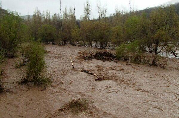 خبرنگاران سیلاب چهار راستا در جنوب سیستان و بلوچستان را بست
